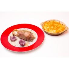Ciolan de porc cu cartofi gratinati