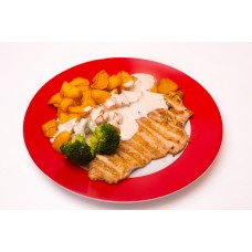File de curcan cu gorgonzola cu cartofi aurii si broccoli